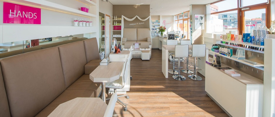 Beauty Masters treatment store met prachtige nagel en pedicure lounge en schoonheidssalon